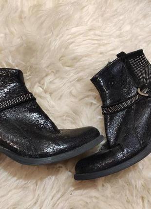 Кожаные деми ботинки 39 размер