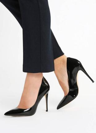 Шикарные туфли 39 размер
