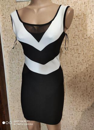 Короткое платье 42 размер