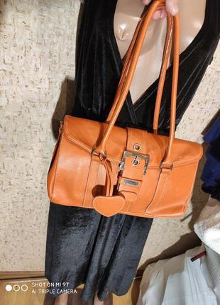 Стильная маленькая сумка