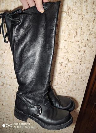 Шикарные кожаные деми сапоги 36 размер италия