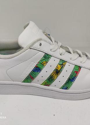 Крутые кроссовки 35 размер