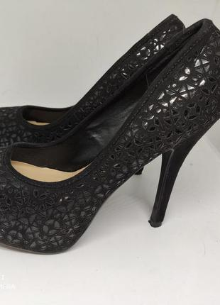 Шикарные туфли 37 размер