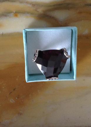 Серебряное кольцо с красивым редким аметистом весом в 15 карат
