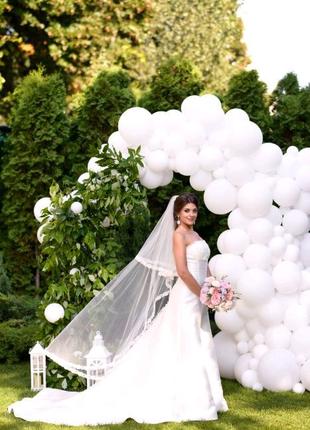 Свадебное платье со шлейфом атлас Pronovias Весільна сукня