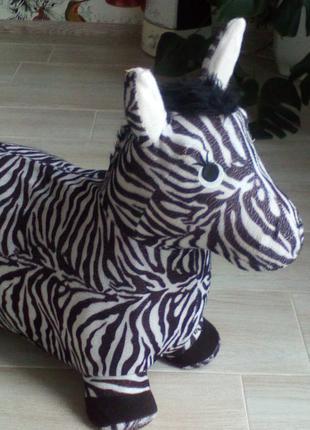 детский прыгун зебра