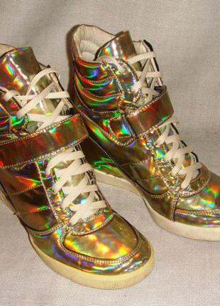Женские высокие кроссовки на каблуке сникерсы river island 38-...