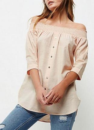 Лёгкая блузка с открытыми плечами