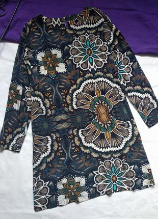Платье легкое прямое с узором