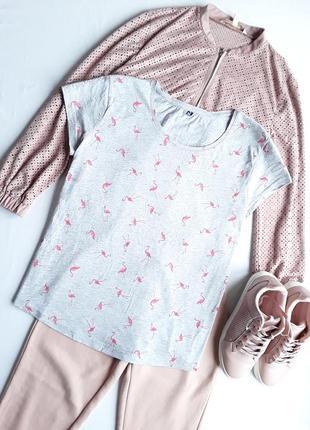 Милая футболочка с розовыми фламинго