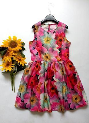 Красивое детское платье в цветы