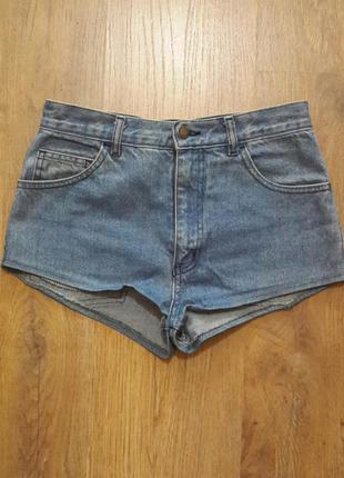 Классные джинсовые шортики для девочки 12 лет. рост 152 см.  t...