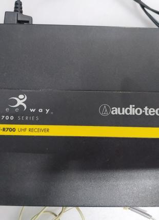 Радиосистема Audio-Technica ATW-700 с портативным радиомикрофонам