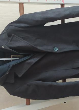 Пальто демисезонное на стёганой подкладке на мальчика б/у