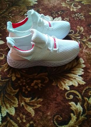 Кросівки нові 43 розмір чоловічі білі кросовки