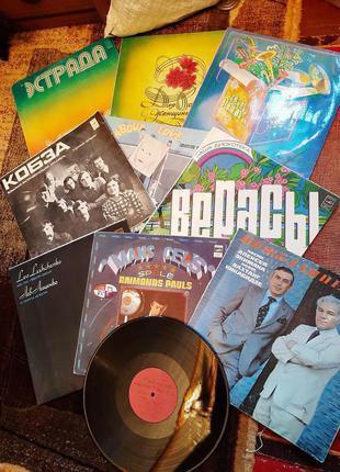 Пластинки с музыкой дешево 50 грн