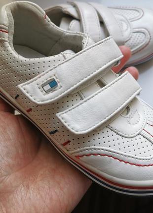 Кроссовки с ортопедической стелькой нюанс