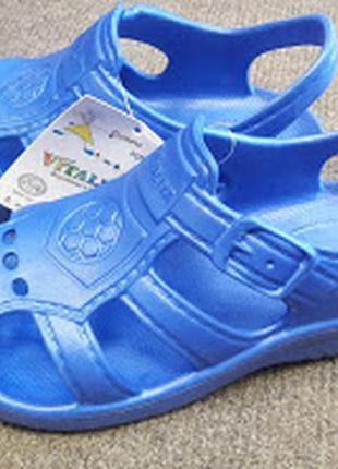 Сандали, пенковые босоножки, кроксы vitaliya синие   26 размер