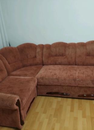 Мебельный комплект: угловой диван и два кресла