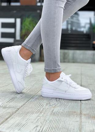 Женские белые кроссовки найк nike air force