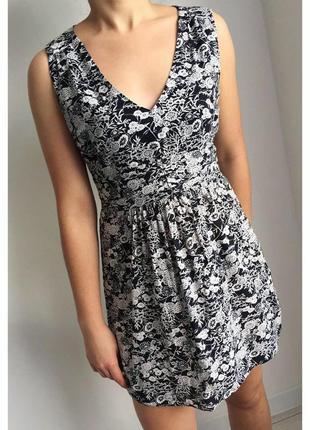 Платье, плаття, сукня чорна з білим.