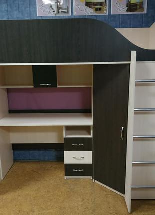 Детская кровать-чердак с мобильным столом и угловым шкафом К9 Mer