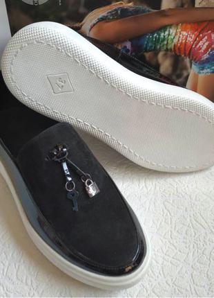 Женские кожаные кеды туфли лоферы Calvin черная лакированная кожа