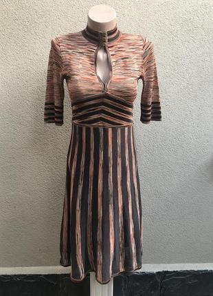 Трикотажное платье в винтажном,ретро стиле, karen millen