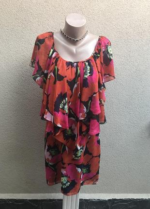 Красное платье в цветы,многослойное,воланы,рюши по плечам, ори...