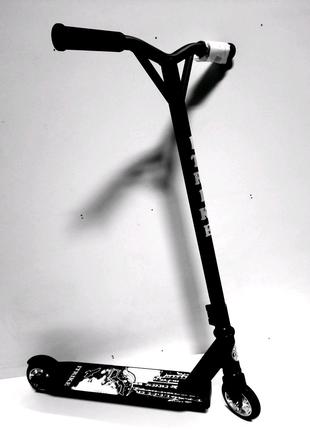 Самокат трюковый iTrike 2-025-4,чёрный,красный