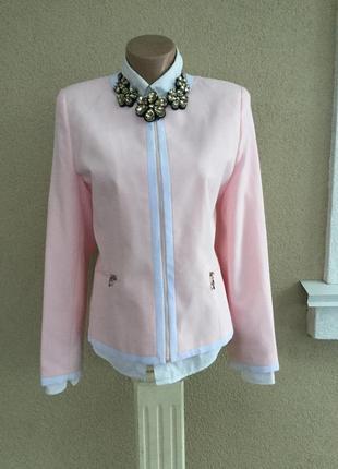 Нежно-розовый жакет(пиджак),белая окантовка,замочки,офисный,бо...