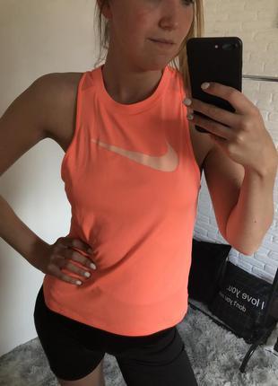 Оранжевая спортивная майка топ в зал с лого nike