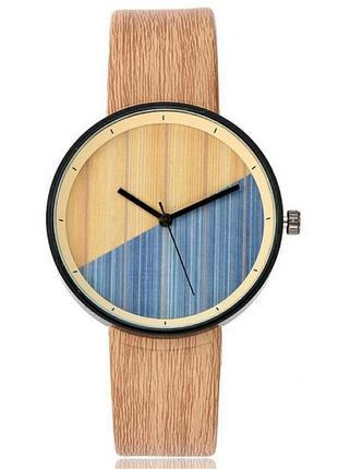 Стильные наручные часы стилизованные под дерево с разноцветным...