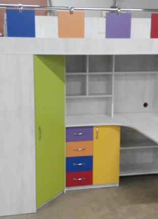 Детская кровать-чердак с рабочей зоной, угловым шкафом, тумбой и