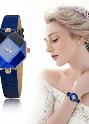 Элегантные женские кварцевые наручные часы синего цвета