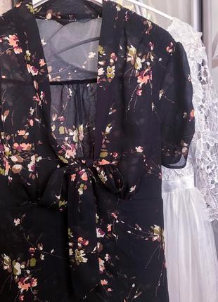 Легкая стильная на пуговицах блуза в принт