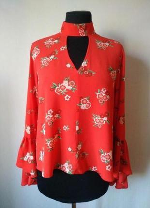 Красивенная блуза с чокером