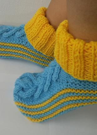 Вязаные желто-голубые сапожки / следки для дома ручной работы