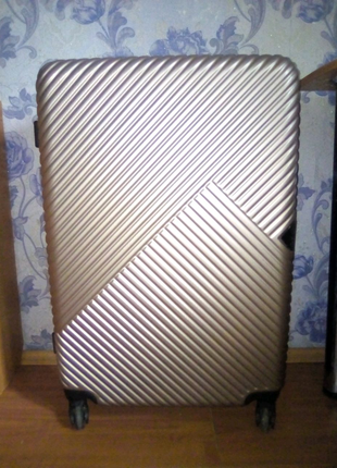 Большой чемодан FLY Б/У