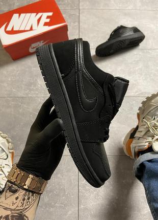 Черные женские кроссовки  nike air jordan 1 low triple black.