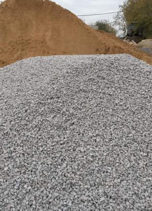 Доставка любых сыпучих материалов:песок,Щебень,отсев,земля грунт