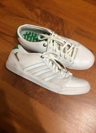 Стильные кеды-кроссовки в 42р