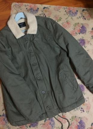 Актуальная куртка цвета оливки