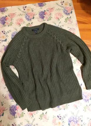 Трендовый свитерок цвета хаки