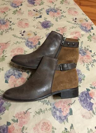 Стильные ботинки