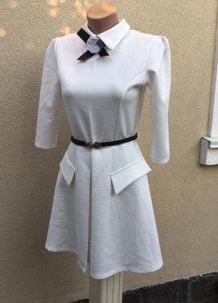 Новое,белое платье,из плотной фактурной ткани ,держит форму,ре...