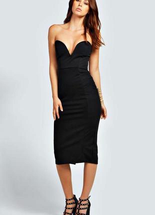 Черное облегающее платье миди с открытыми плечами и разрезом с...