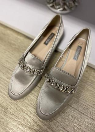 Шикарные лоферы туфли 39