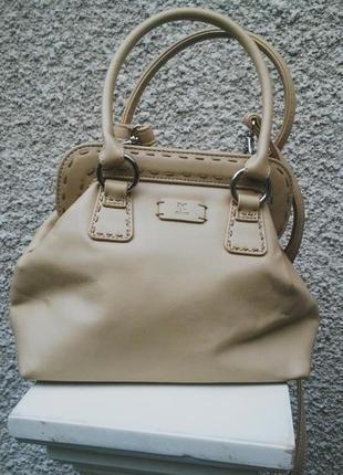 Красивая маленькая сумочка  франция