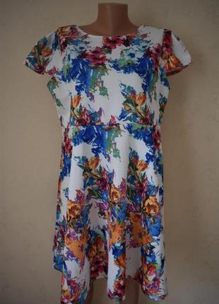 Новое красивое платье с принтом большого размера boohoo